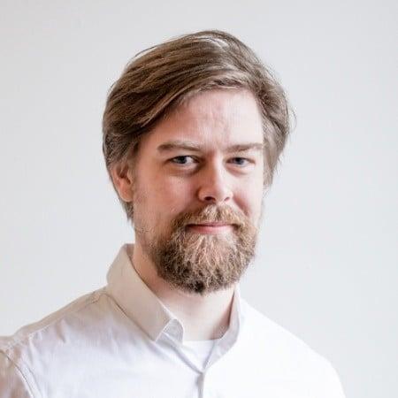 Jonas Rue, graphics wizard and video editor